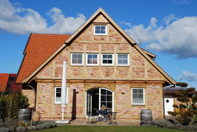 fachwerkhaus modern fuhrberger fachwerk house fuhrberger fachwerkhaus. Black Bedroom Furniture Sets. Home Design Ideas